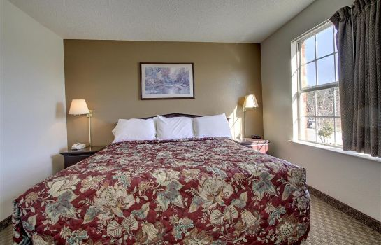 Zimmer Crestwood Suites - Greensboro-Airport