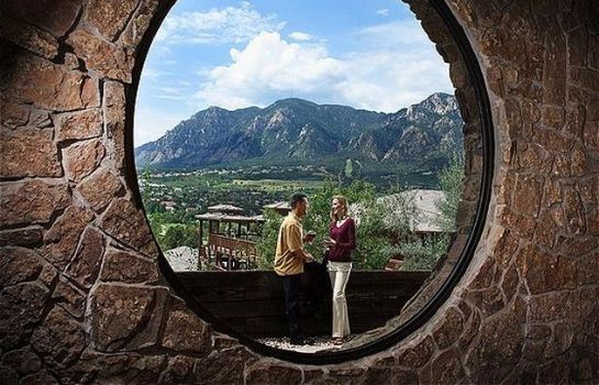 Buitenaanzicht CHEYENNE MOUNTAIN RESORT