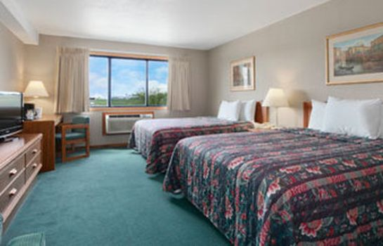 Zimmer Days Inn And Suites Des Moines Airport