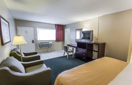 Suite Econo Lodge Cocoa Beach - near the Port