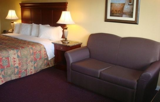 Zimmer Antioch Quarters Inn And Suites