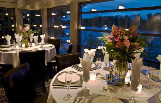 Restaurant Rivers Edge Hotel