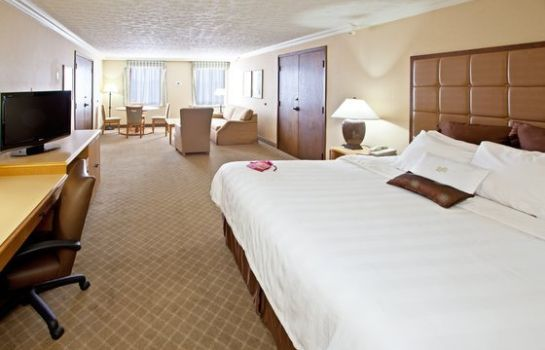 Zimmer Crowne Plaza LOUISVILLE AIRPORT EXPO CTR