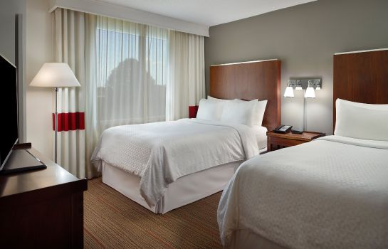 Suite Four Points by Sheraton Charlotte