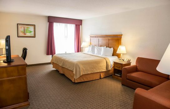 Room Quality Inn & Suites Indianapolis
