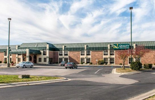 Exterior view Quality Inn & Suites Shelbyville