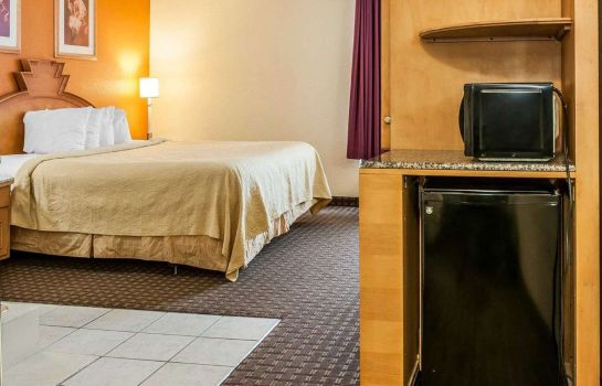 Room Quality Inn & Suites Shelbyville