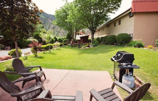 Picture Glenwood Springs Cedar Lodge