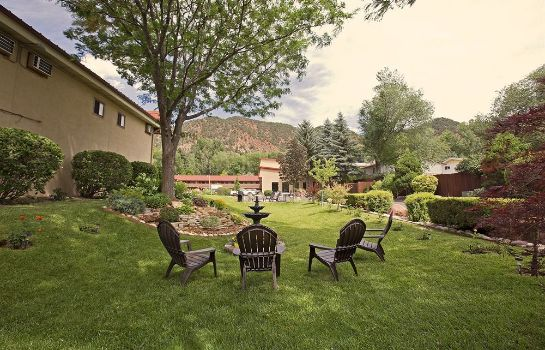 Terrace Glenwood Springs Cedar Lodge
