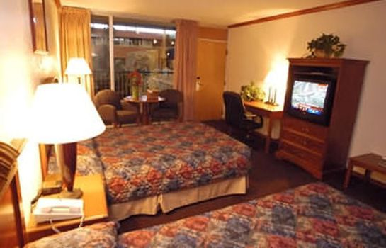 Info Boulder Outlook Hotel & Suites