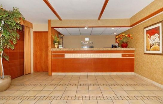 Hotelhalle Quality Inn & Suites North