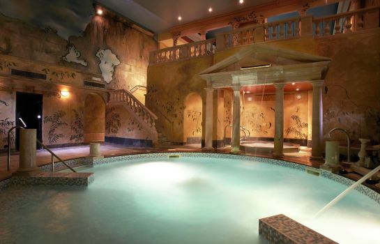 Whirlpool Rowhill Grange and Utopia Spa