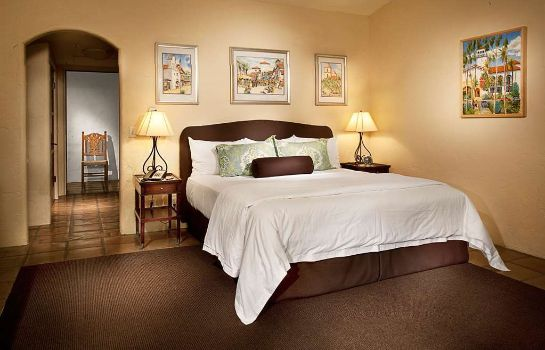 Suite SPANISH GARDEN INN