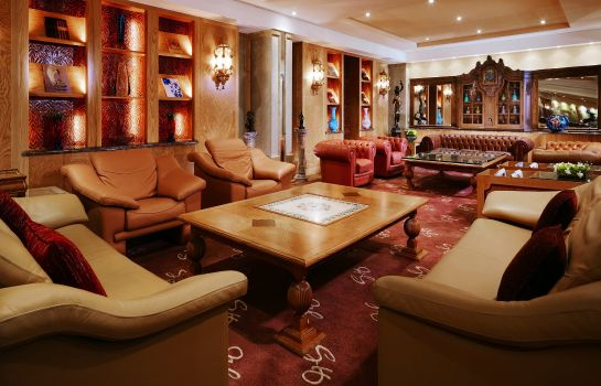 Hotel bar Grand Hills a Luxury Collection Hotel & Spa Broumana