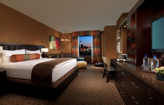 Room GOLDEN NUGGET HOTEL AND CASINO