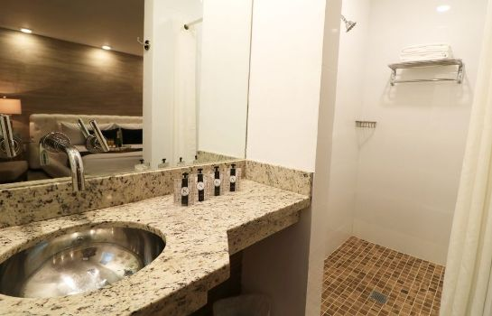 Cuarto de baño a South Beach Group Hotel Catalina Hotel & Beach Club