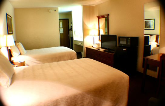Zimmer AMERISTAY INN & SUITES