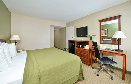 Camera Quality Inn & Suites Near Fairgrounds Ybor City