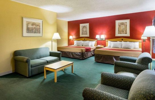 Suite Econo Lodge Topeka Blvd.