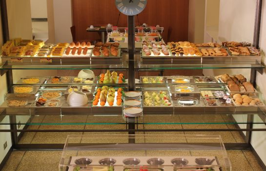 Breakfast buffet Verona
