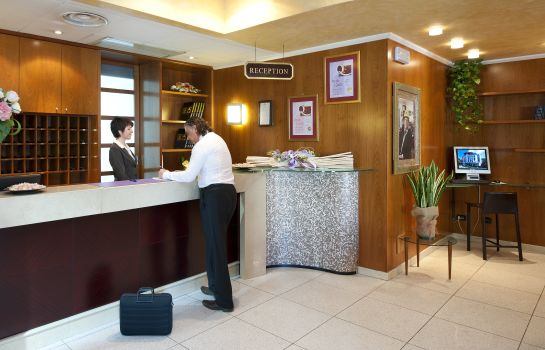 Empfang Castagna Palace Hotel By DIVA Hotels