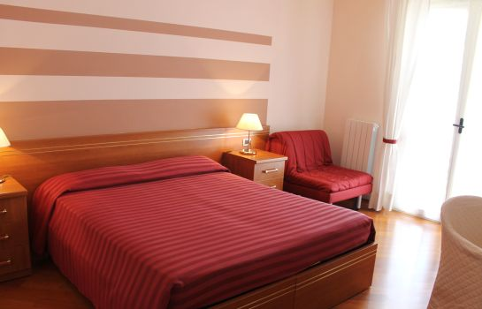 Double room (standard) Loano2Village