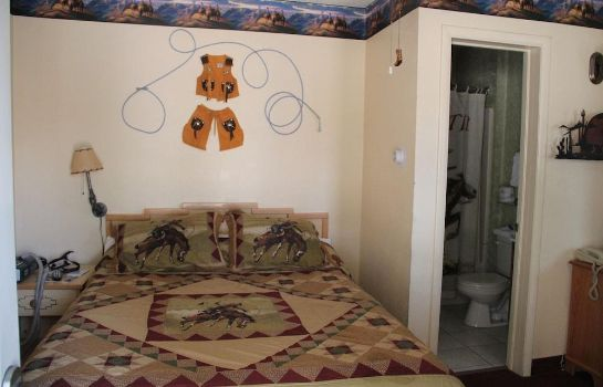 Standard room Elk Run Inn