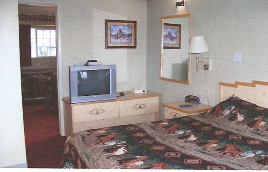 Room Elk Run Inn