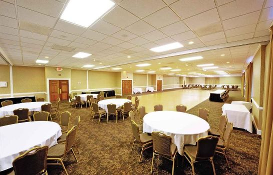 Zimmer VILLAGE INN EVENT CENTER