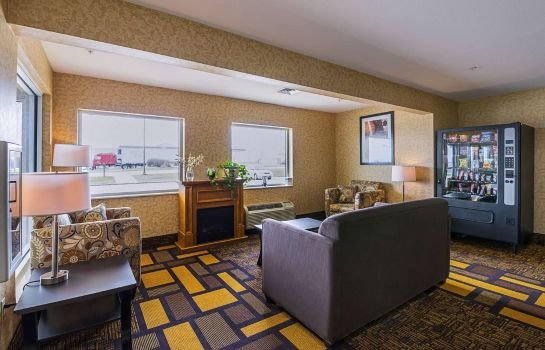 Hall Quality Inn and Suites Belmont Route 151