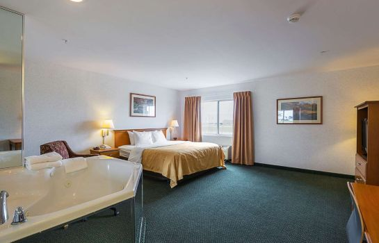 Camera Quality Inn and Suites Belmont Route 151