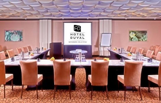 Zimmer Hotel Duval Autograph Collection