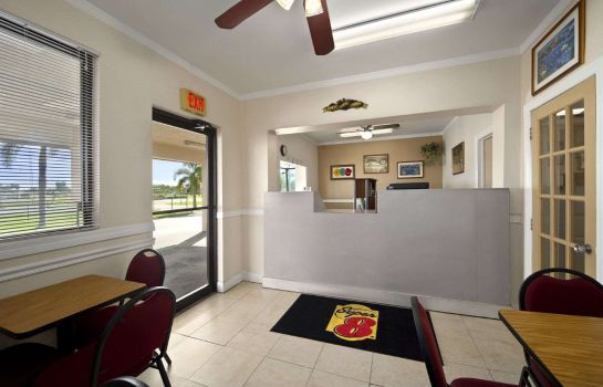 Hall FLORIDA CI SUPER 8 BY WYNDHAM