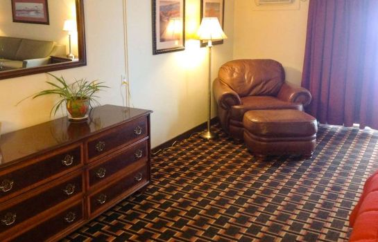 Kamers COLONIAL INN ELLSWORTH