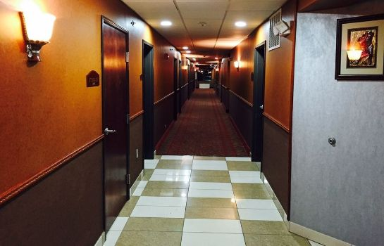 Vista all'interno Red Roof Inn & Suites Detroit-Melvindale/Dearborn
