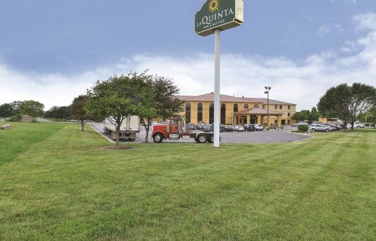 Buitenaanzicht La Quinta Inn and Suites Greenwood