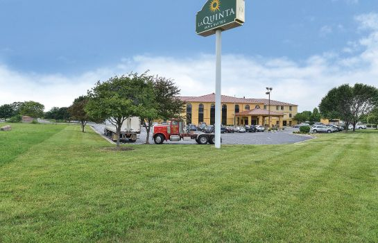 Exterior view La Quinta Inn and Suites Greenwood
