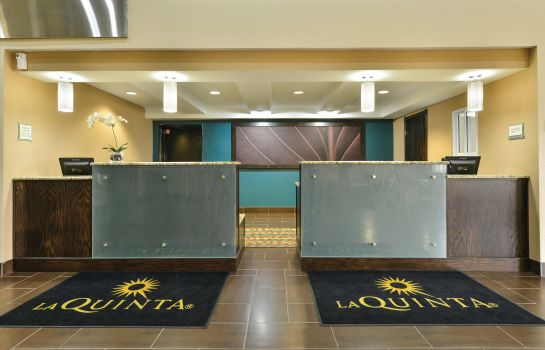 Hall La Quinta Inn and Suites Greenwood
