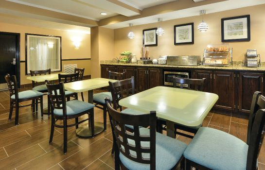 Restauracja La Quinta Inn and Suites Greenwood
