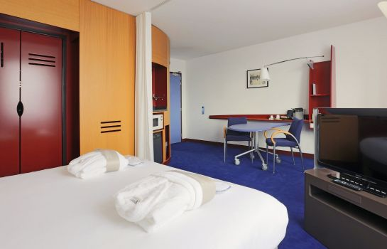 Zimmer Novotel Suites Nancy Centre