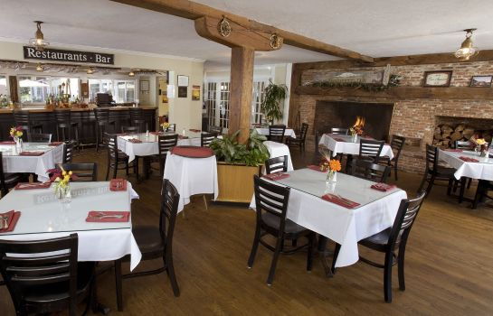Restaurant WACHUSETT VILLAGE INN