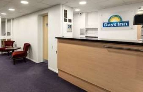 Hotelhalle Days Inn Bridgend Cardiff Welcome Break Service Area