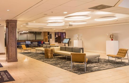 Hotelhalle DoubleTree by Hilton Hotel - Suites Pittsburgh Downtown