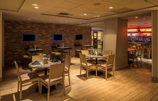 Restaurant DoubleTree by Hilton Hotel - Suites Pittsburgh Downtown