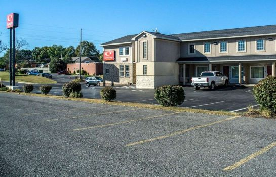 Buitenaanzicht Econo Lodge Inn and Suites Airport