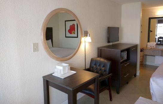 Room RED CARPET INN FORT LAUDERDALE - AIRPORT