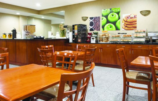 Hol hotelowy La Quinta Inn Queens (New York City)