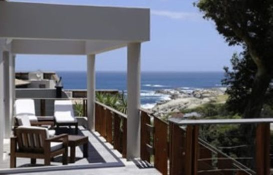 Exterior view Camps Bay Retreat
