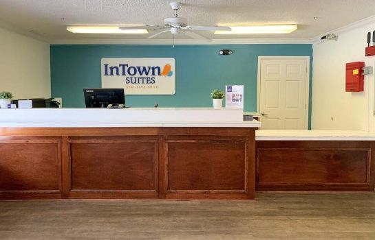 Receptie InTown Suites Fort Myers