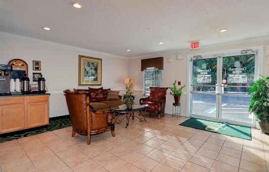 Lobby InTown Suites Fort Myers